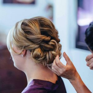 How to Select the Right Bridal Hairstyle: 9 Tips to Keep in Mind
